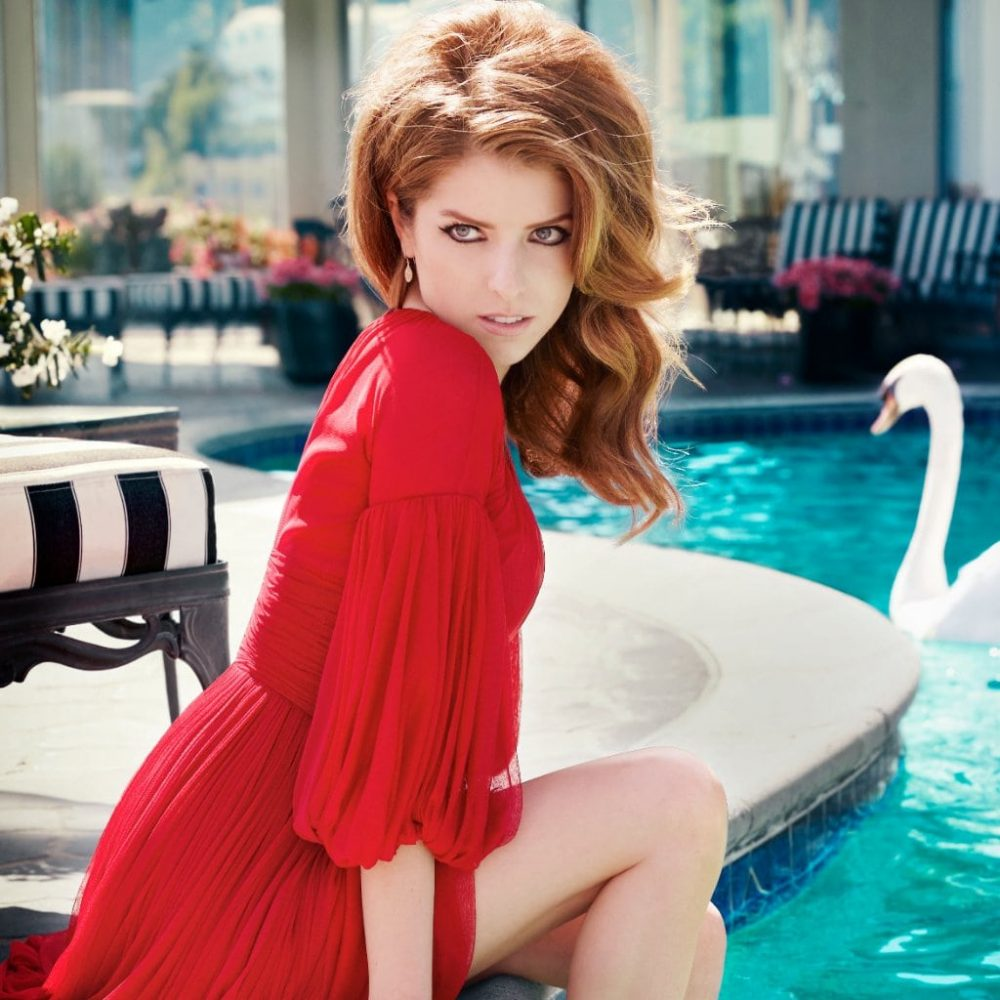 Anna-Kendrick-Hot-in-Red-1