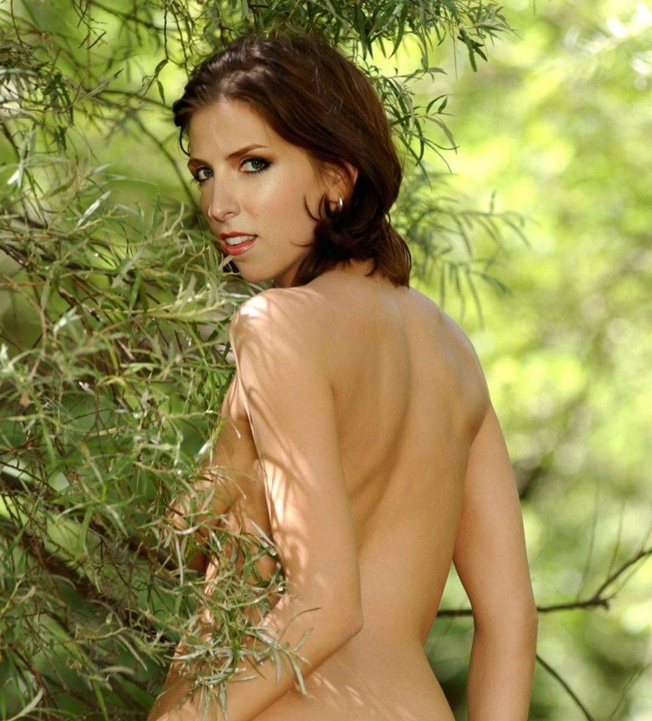 Anna-Kendrick-Naked-3