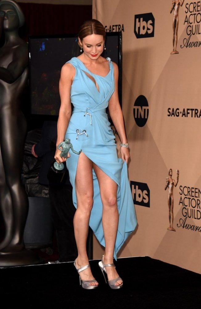 Brie-Larson-Hot-Legs