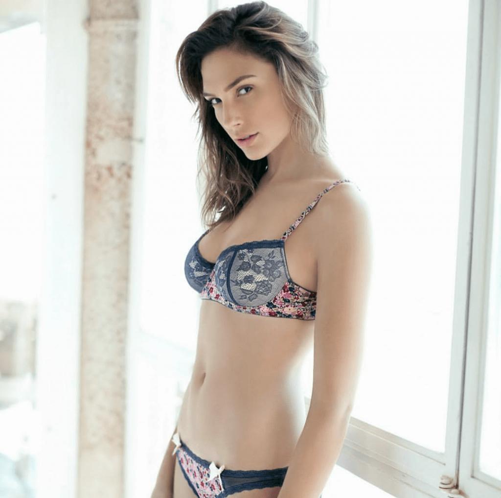 Gal-Gadot-bikini2