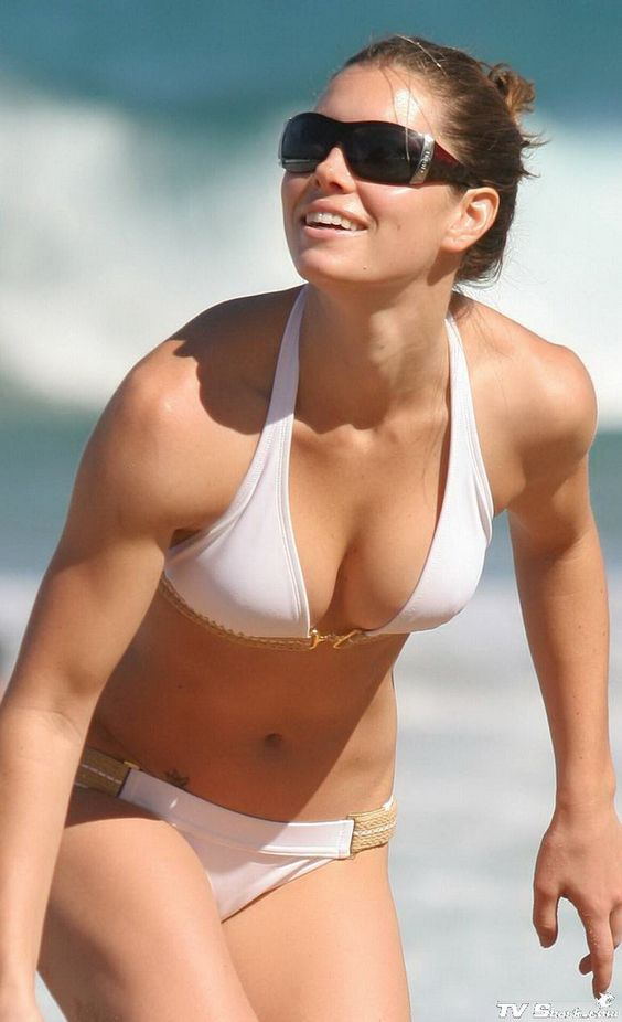 Jessica-Biel-on-White-Bikini-1