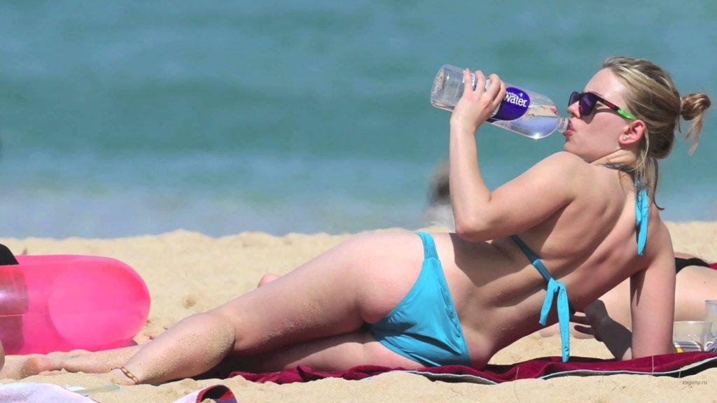 Scarlett-Johansson-Beack