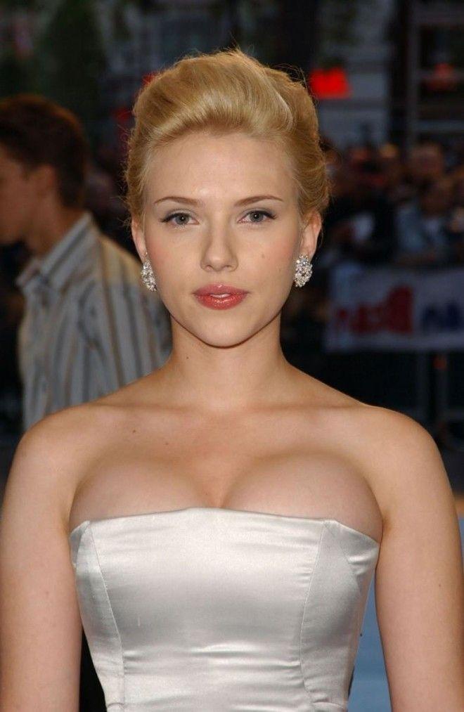 Scarlett-Johansson-hot-big-butt