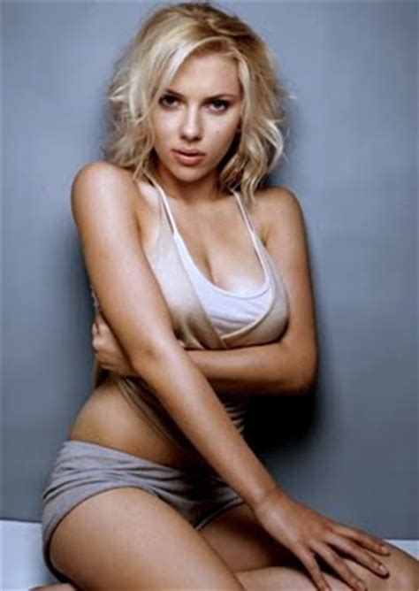 Scarlett-Johansson-hot-side-boob