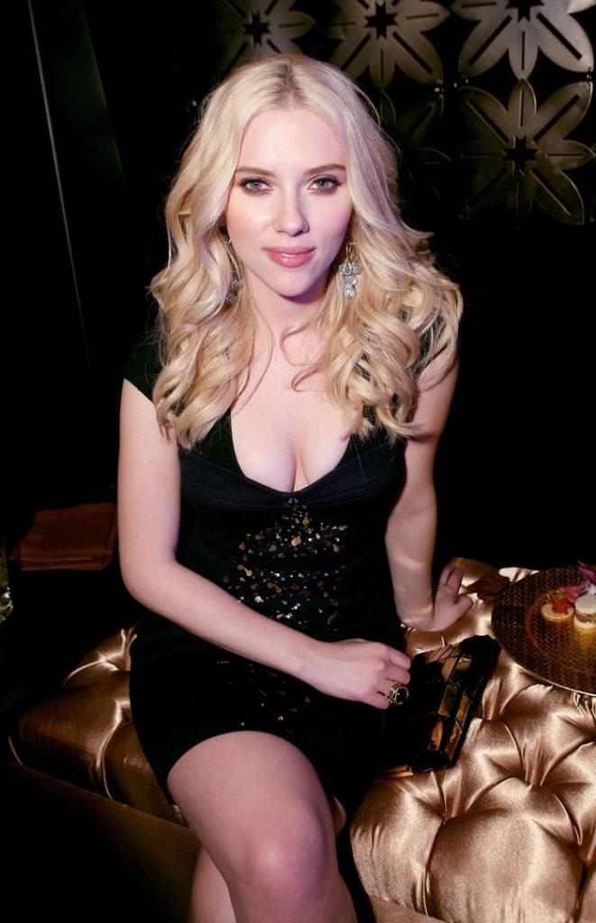 Scarlett-Johansson-sexy-cleavage2