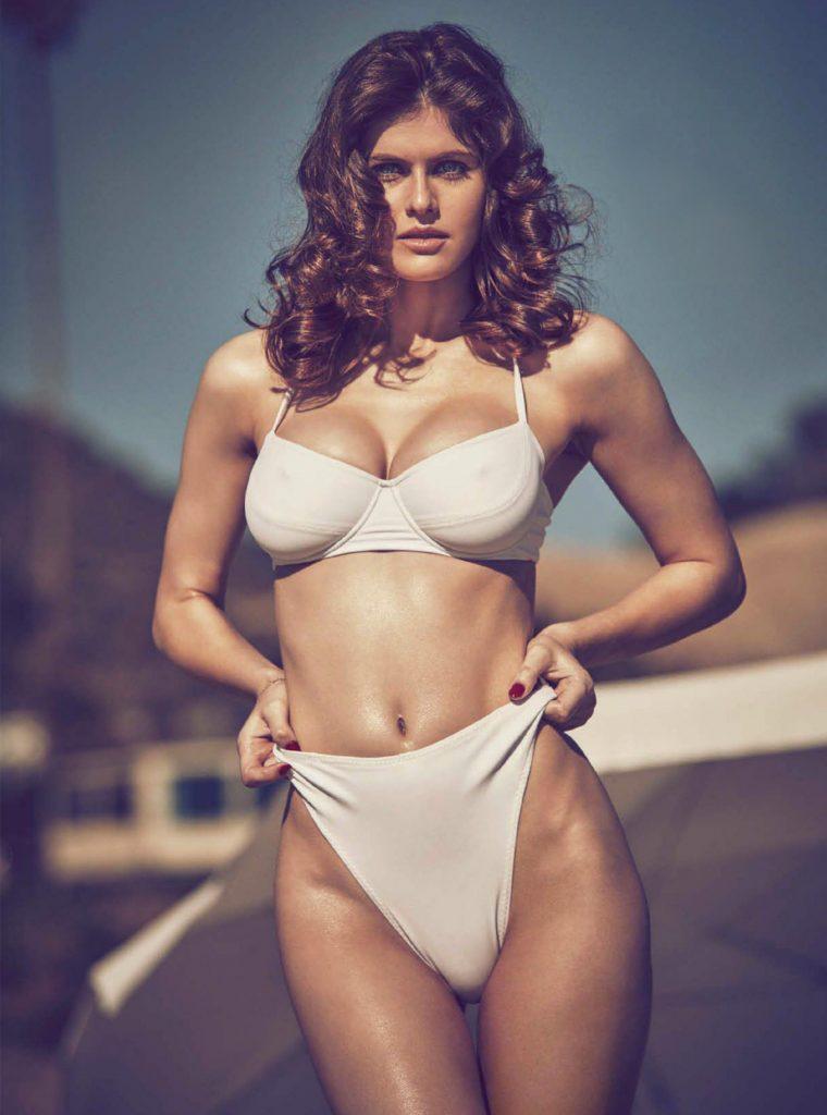 alexandra-daddario-bikini