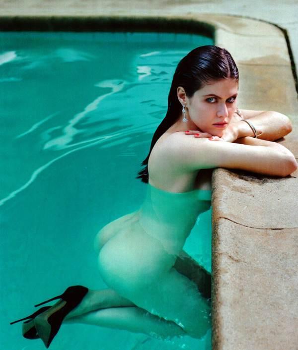 alexandra-daddario-naked