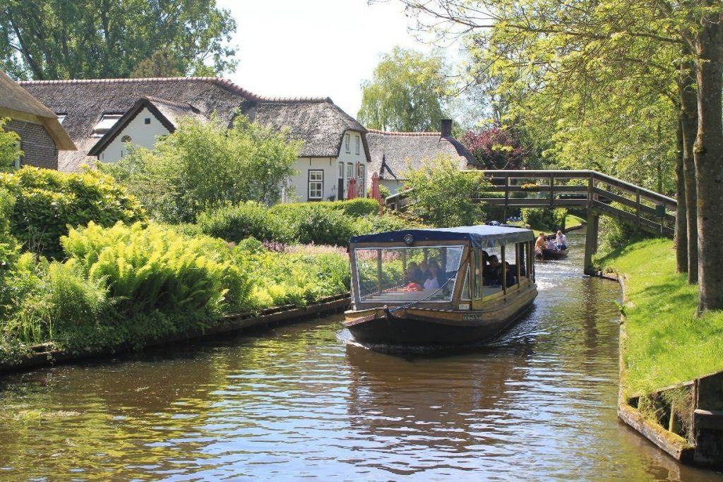 Giethoorn Boat Image