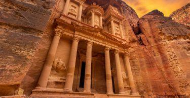 Petra Jordan Entrance