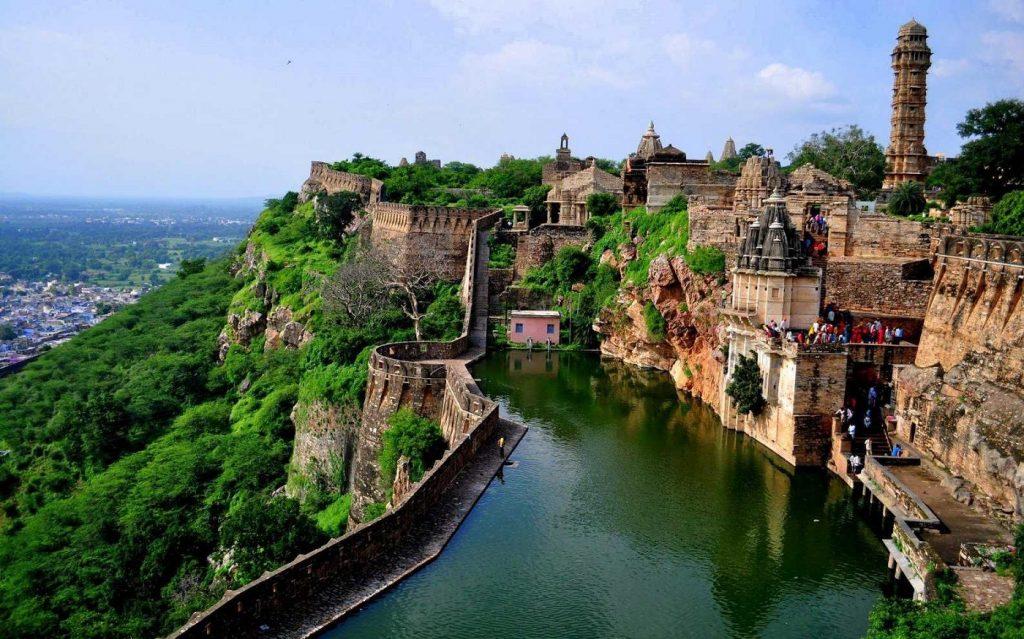 chittorgarh fort river