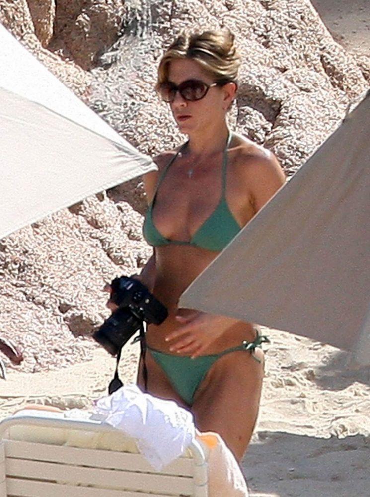 Jennifer Aniston Bikini