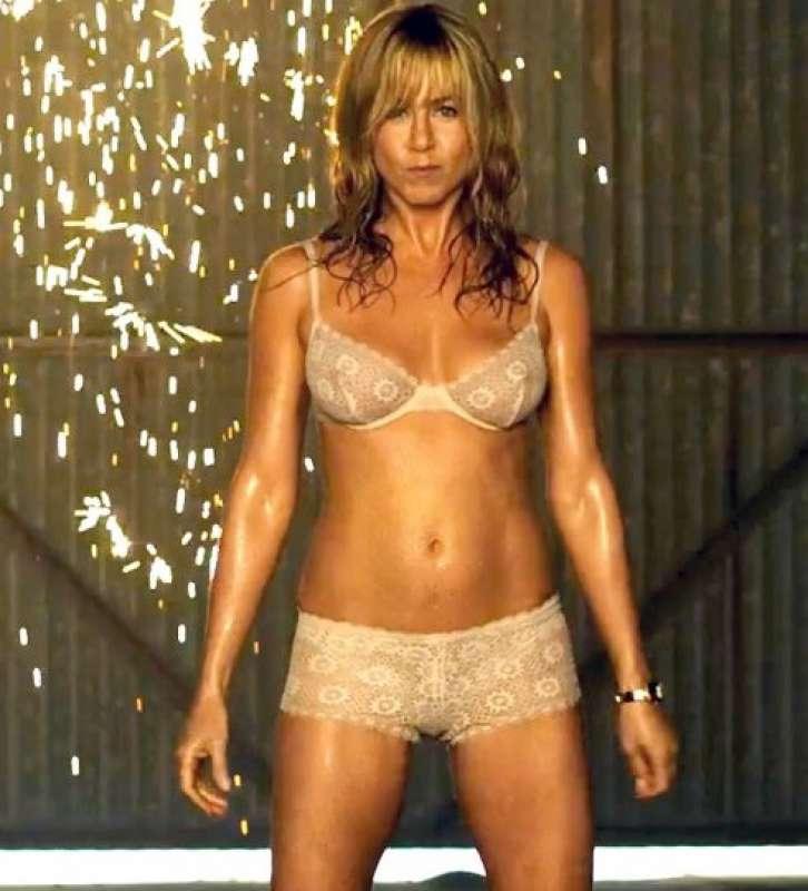 Jennifer Aniston In Bikini