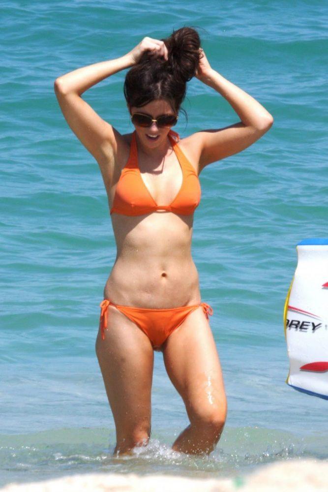 Kate Beckinsale Bikini Pictures