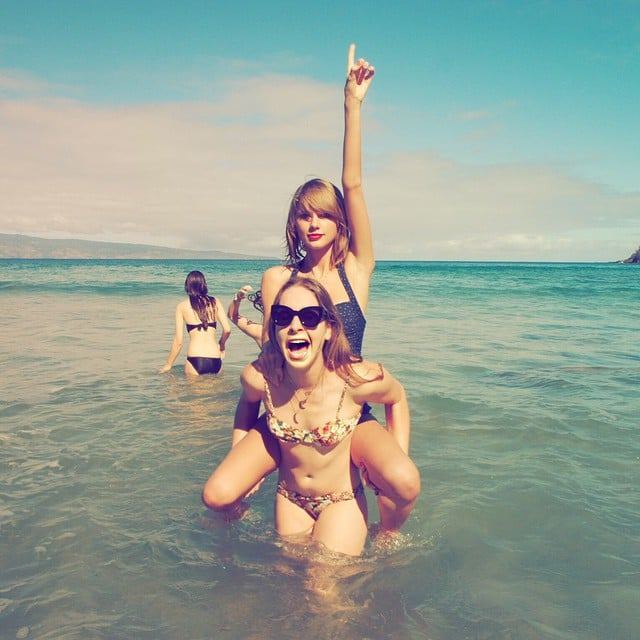 Taylor swift Bikini Pictures