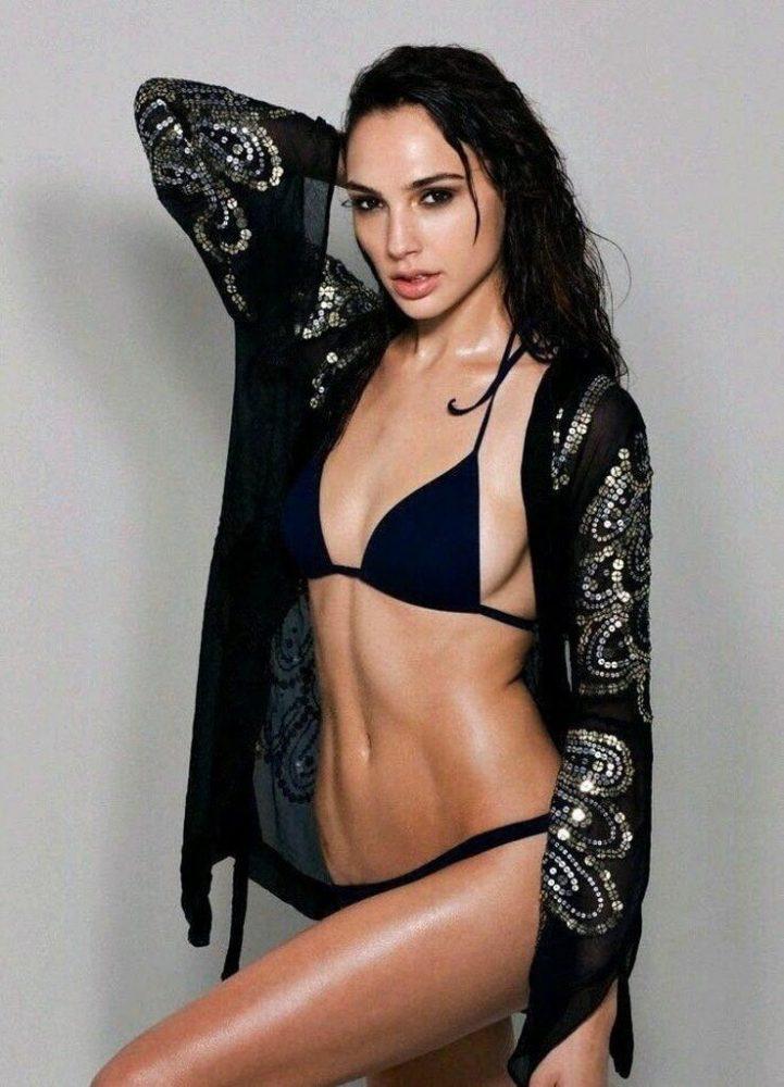 Gal Gadot Bikini Pictures