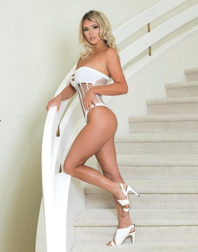 Kinsey Wolanski Nude Images