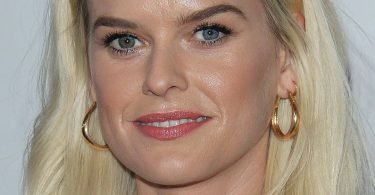 Alice Eve Hot Pictures Will Make You Crazy