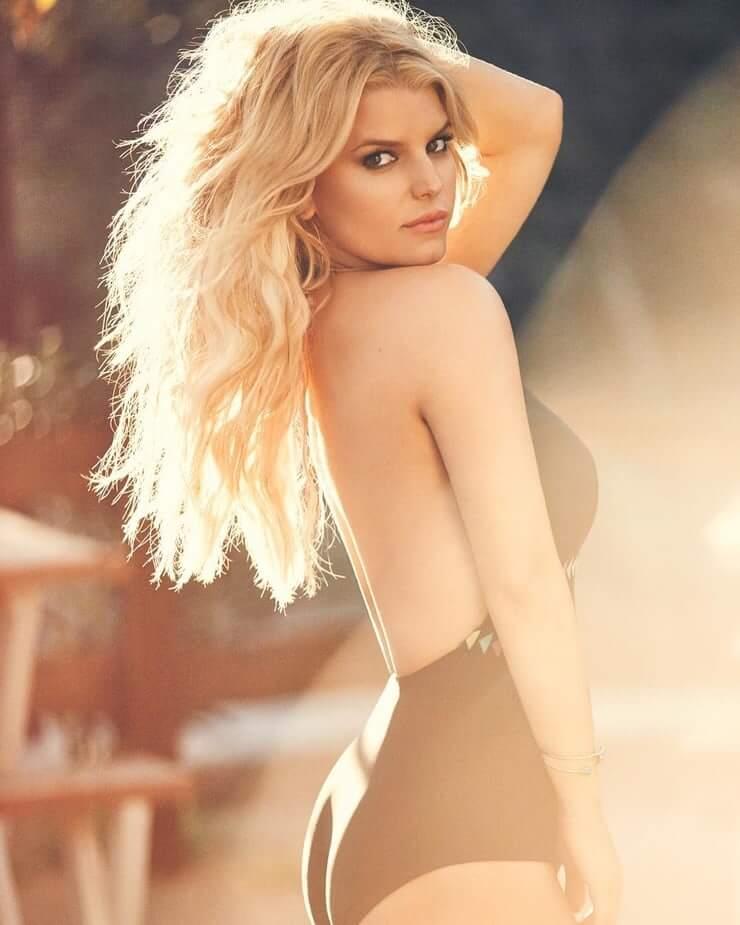 Jessica Simpson Hot