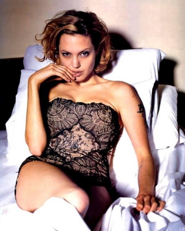Angelina Jolie Bold Images