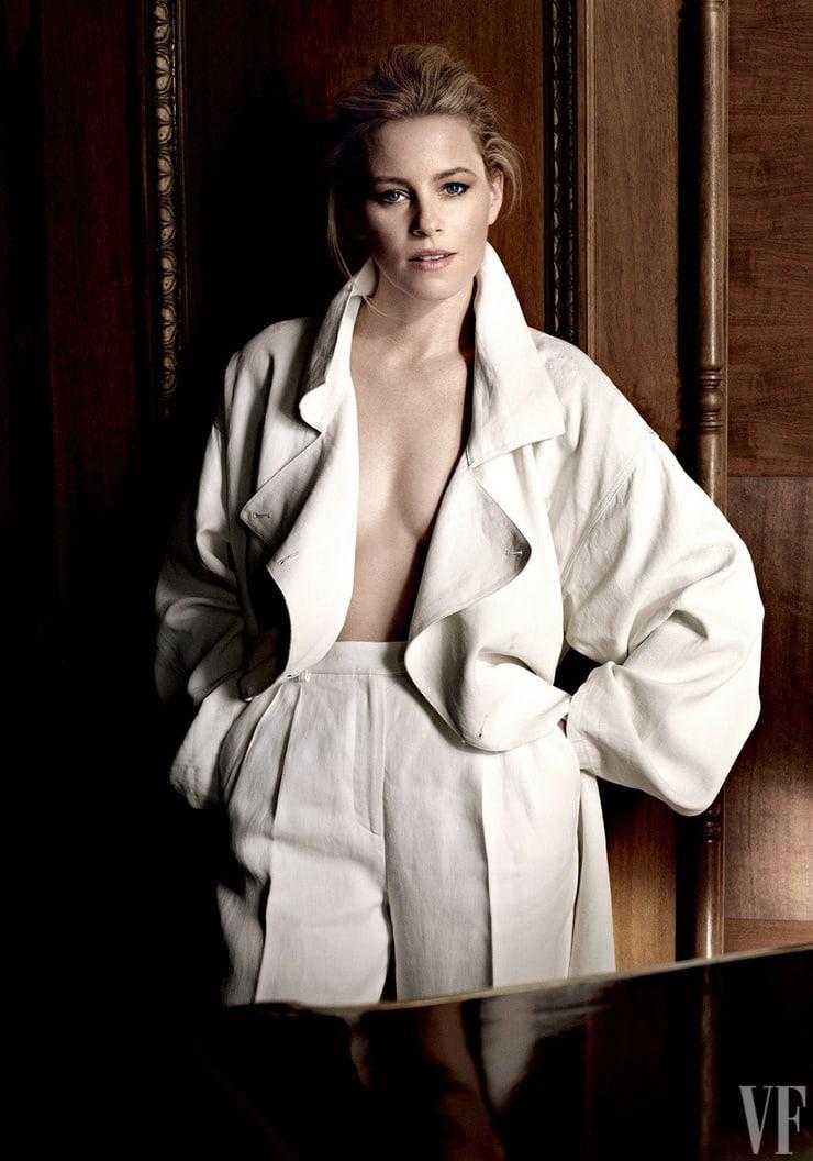 Elizabeth Banks Nude Images