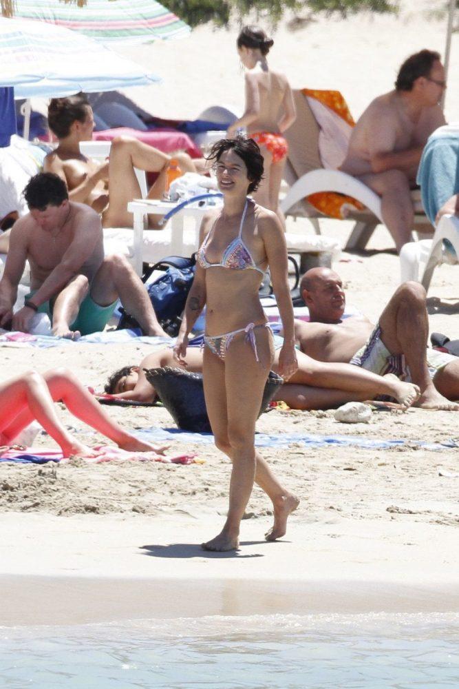 Lena Headey Bikini Images