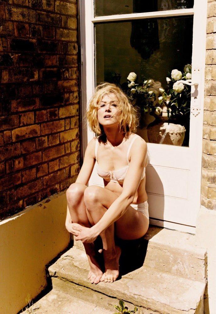 Rosamund Pike Hot Images