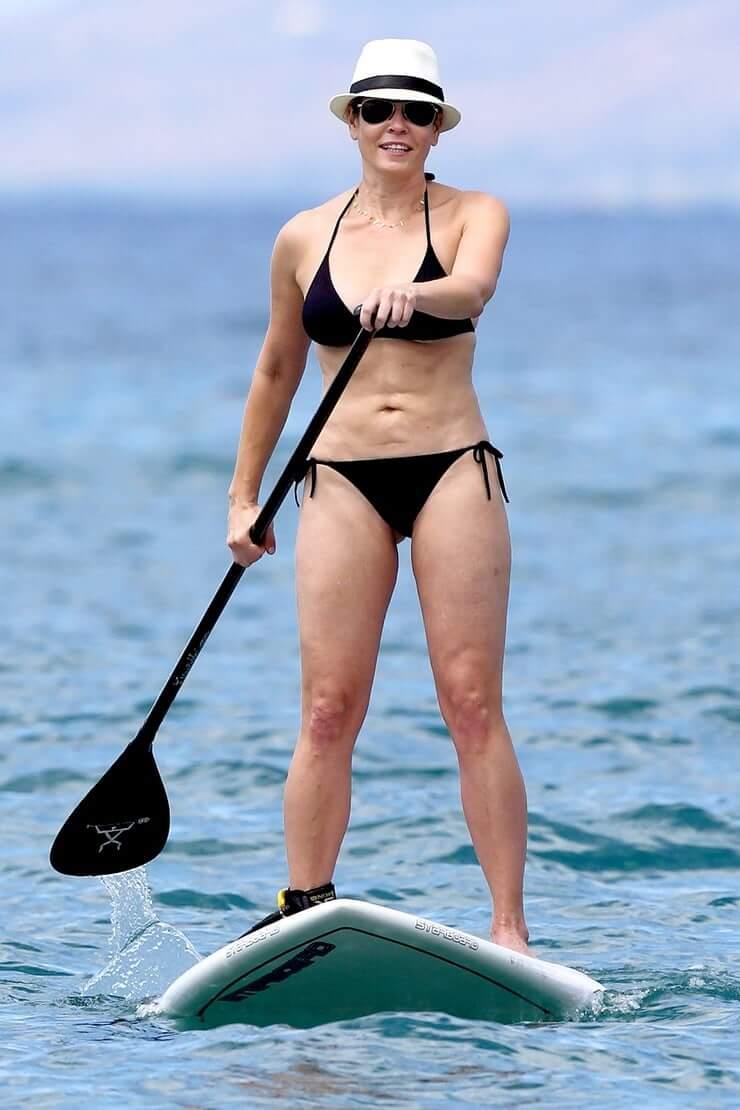 Chelsea Handler Bikini Pictures