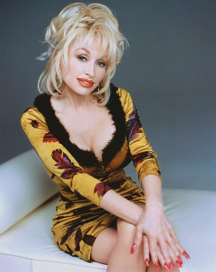 Dolly Parton Hot Pics