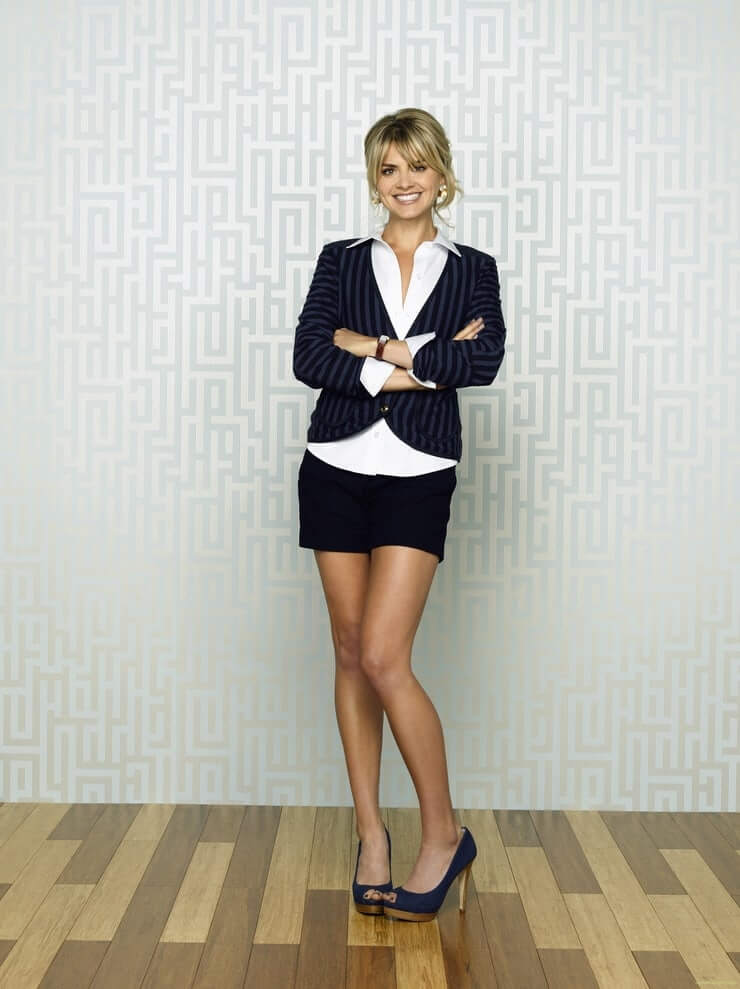 Eliza Coupe Hot Pictures