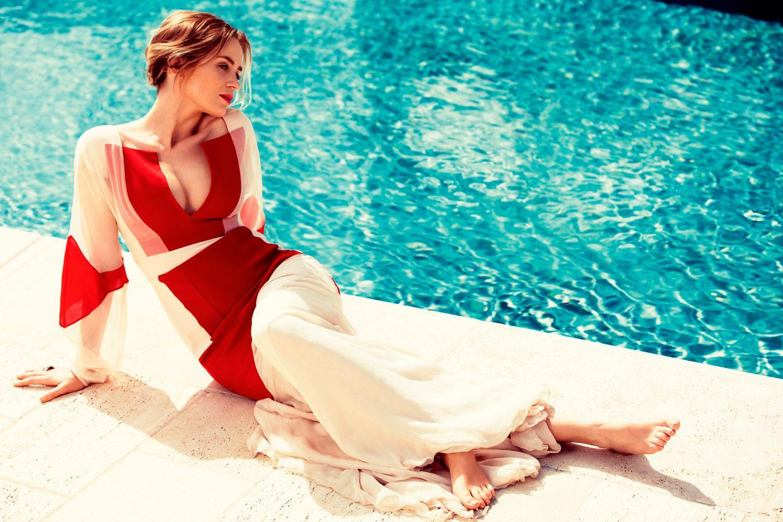 Emily Blunt Hot Pics
