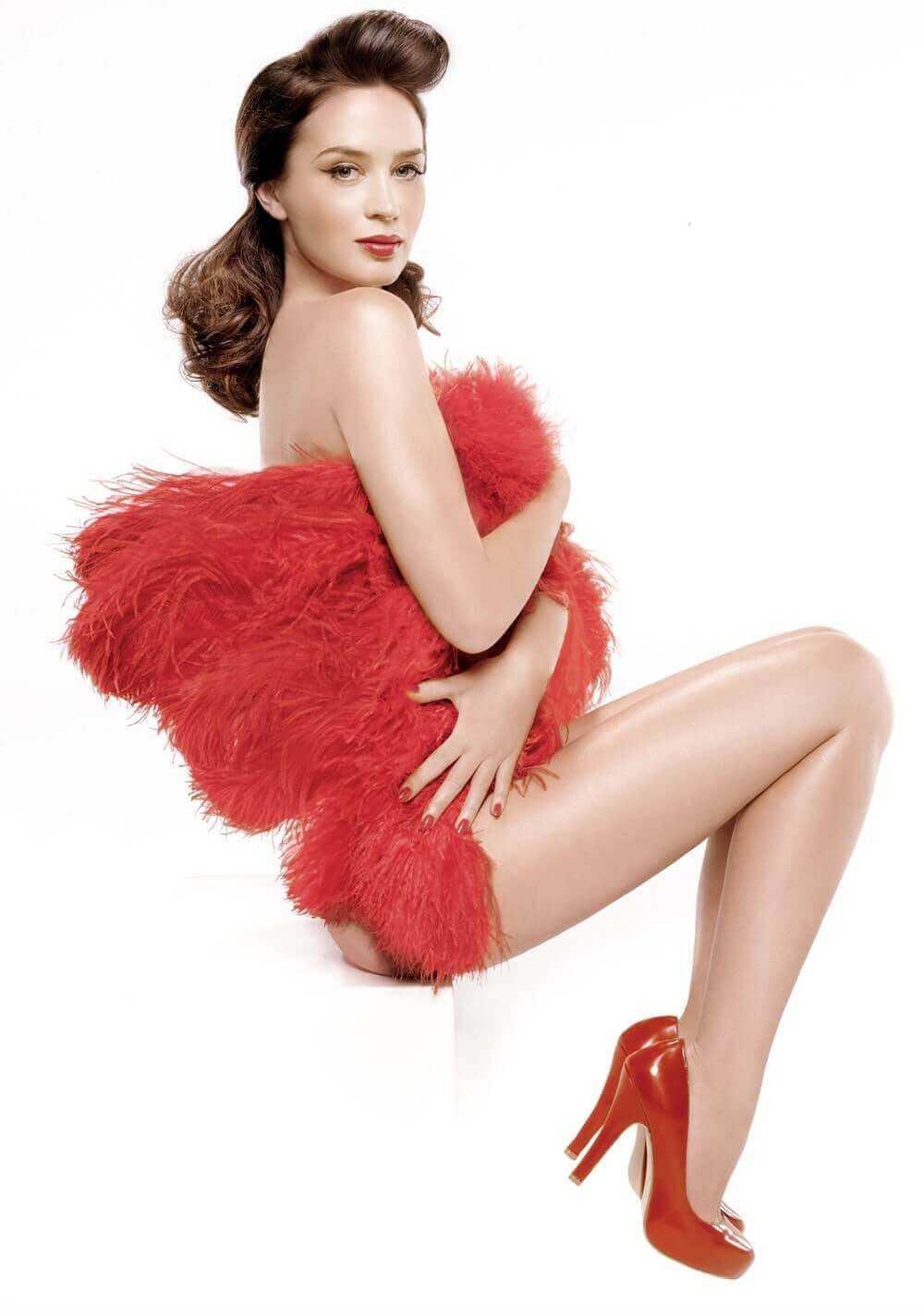 Emily Blunt Nude Pics