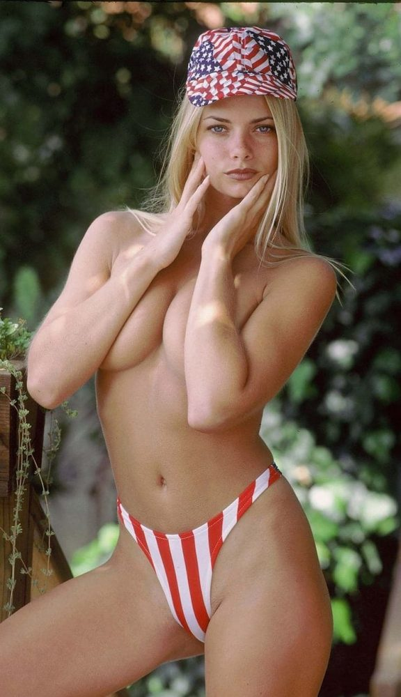 Jaime Pressly Boobs