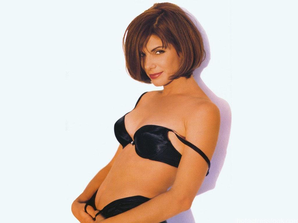 Sandra Bullock Hot Pictures